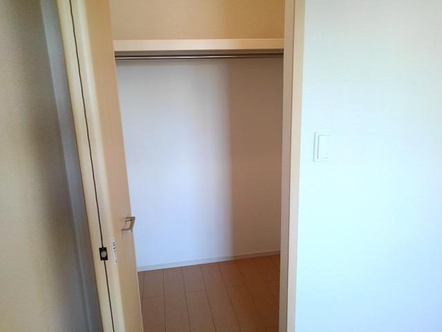 エレガンシアF 01010号室の収納