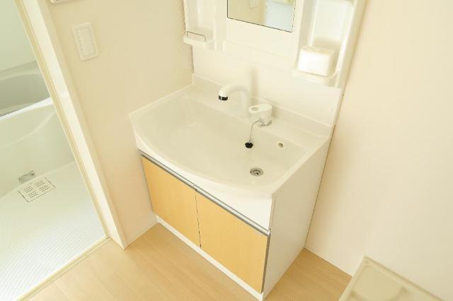 若竹ソフィア 101号室の収納