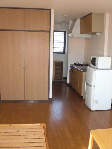レオパレスアークコート 302号室のリビング