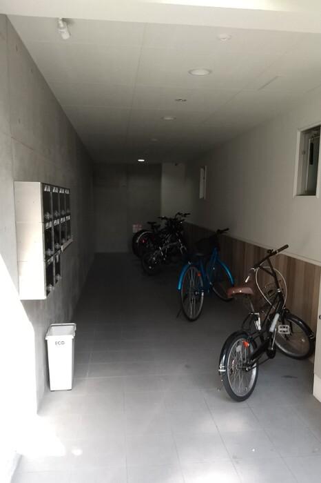 ドーリアNIJO駅前東 02号室のエントランス