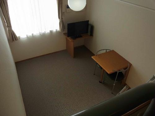 レオパレスドミール優 203号室のリビング