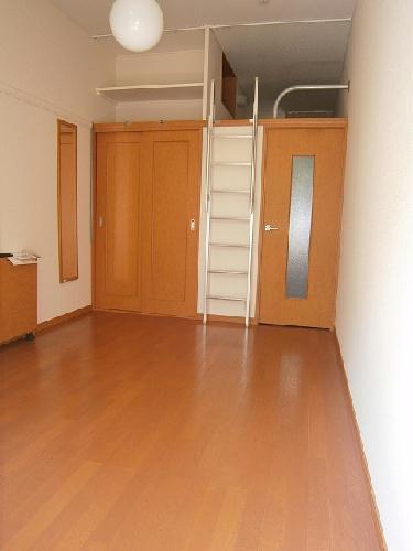 レオパレスボルツアーノ 101号室のリビング