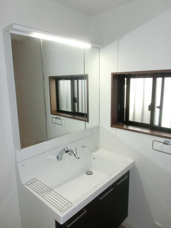 南雪谷戸建の洗面所