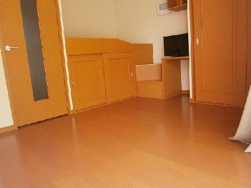 レオパレスオレンジヒル 103号室のリビング