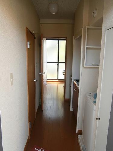 レオパレスオレンジヒル 103号室の玄関