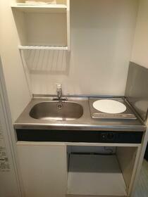 メゾン新高円寺 103号室のキッチン
