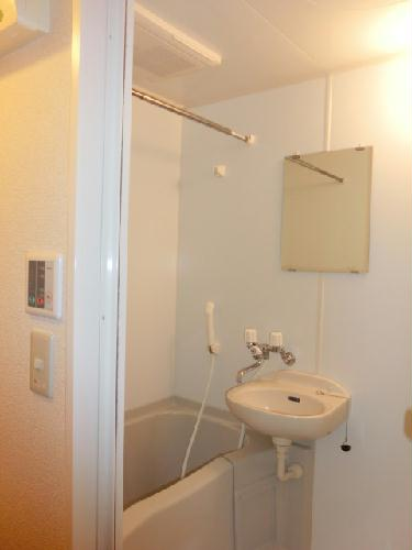 レオパレスしんでん 108号室の風呂