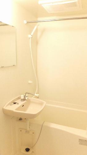 レオパレスKM 103号室の風呂