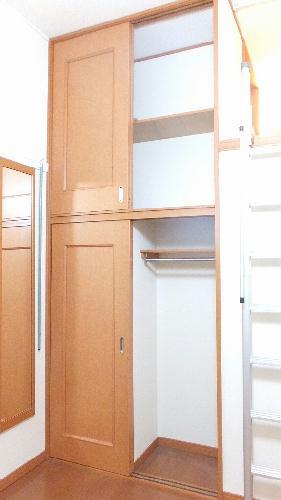 レオパレスKM 103号室の収納
