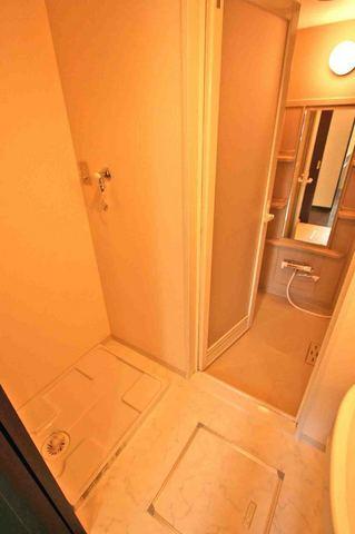 ブルソール信濃町 306号室の風呂