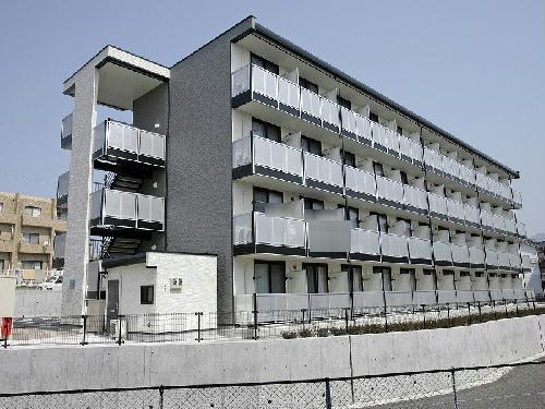 レオパレスセレーノ香椎駅東の外観