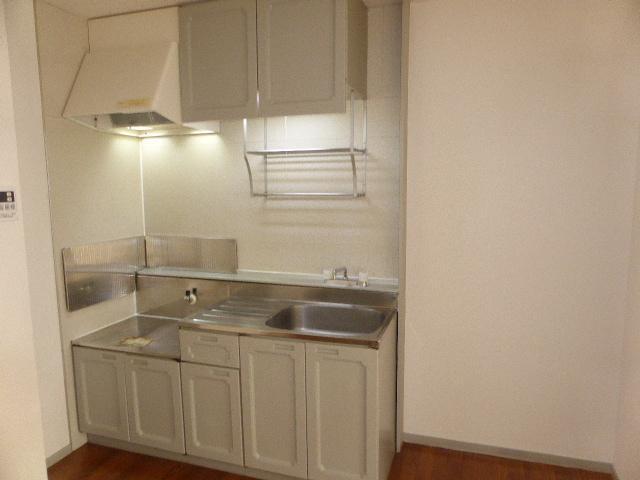 ナガシマハイツ A102号室のキッチン