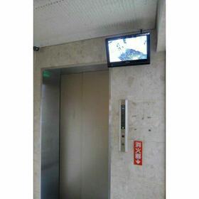 ロマネスク白金第二 406号室のエントランス