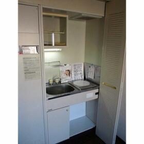 ロマネスク白金第二 406号室のキッチン