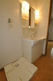 フラワーキャッスル福岡 101号室の洗面所