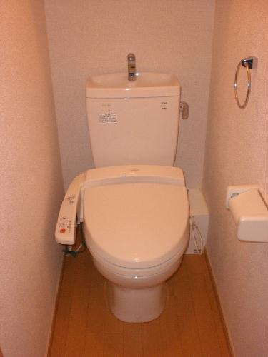 レオパレスパッカイ 103号室のトイレ