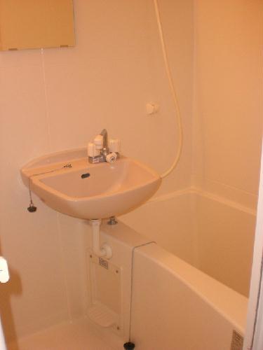 レオパレスパッカイ 103号室の風呂