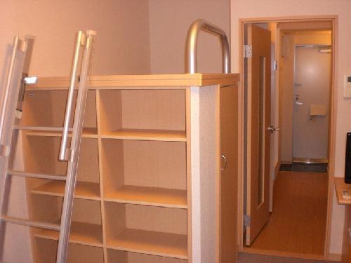 レオパレスパッカイ 103号室のベッドルーム