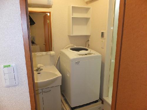 レオパレスエテルナたかせ 101号室の洗面所