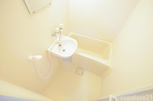 レオパレス堀内 101号室の風呂