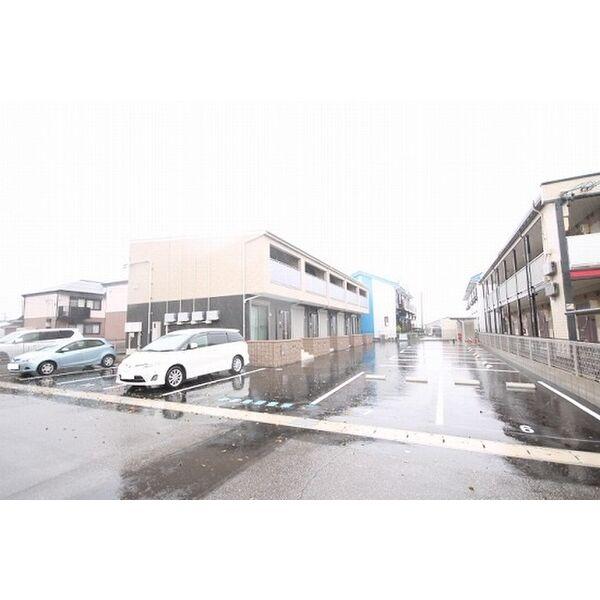 M.リアンの駐車場