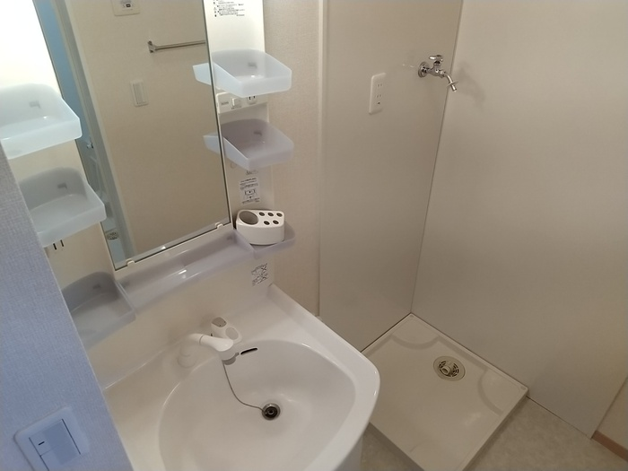カンパーレ A 202号室の洗面所