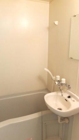 レオパレス万場山 104号室の風呂