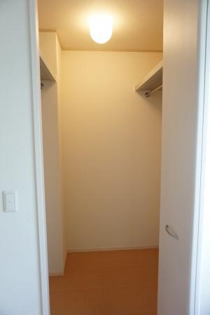 メゾン ヴェール 101号室の収納