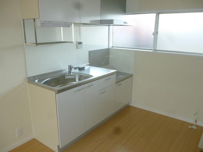 コーポ小谷ヶ丘 102号室のキッチン