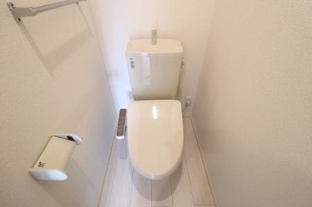 パン・リーヴ(PIN・RIVE) 103号室のトイレ