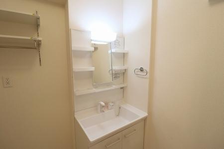 パン・リーヴ(PIN・RIVE) 103号室の洗面所