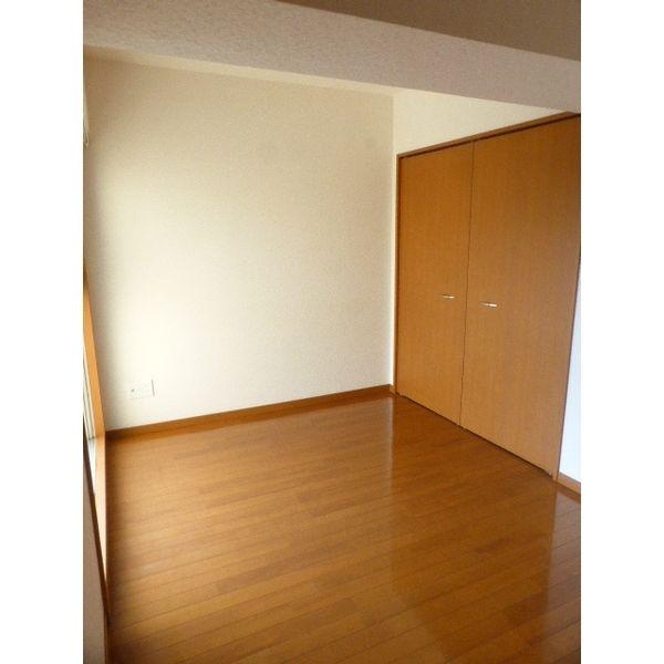 アジリア大濠ウェスト 301号室の居室