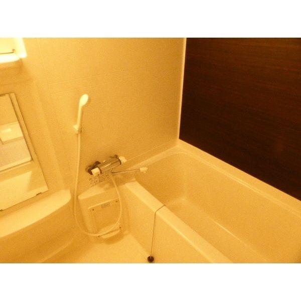 アジリア大濠ウェスト 301号室の風呂