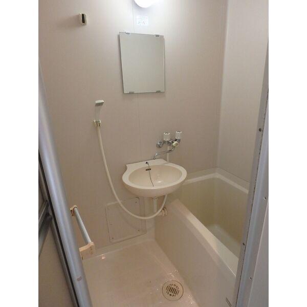 332番館茶山 105号室の風呂