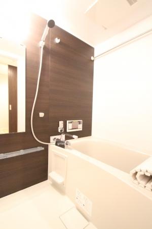 D-room地行 103号室の風呂