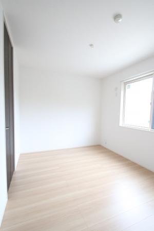 D-room地行 103号室の居室