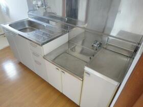 エスコートパートⅡ 208号室のキッチン