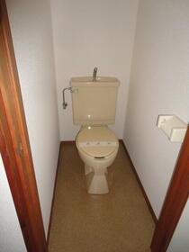 エスコートパートⅡ 208号室のトイレ