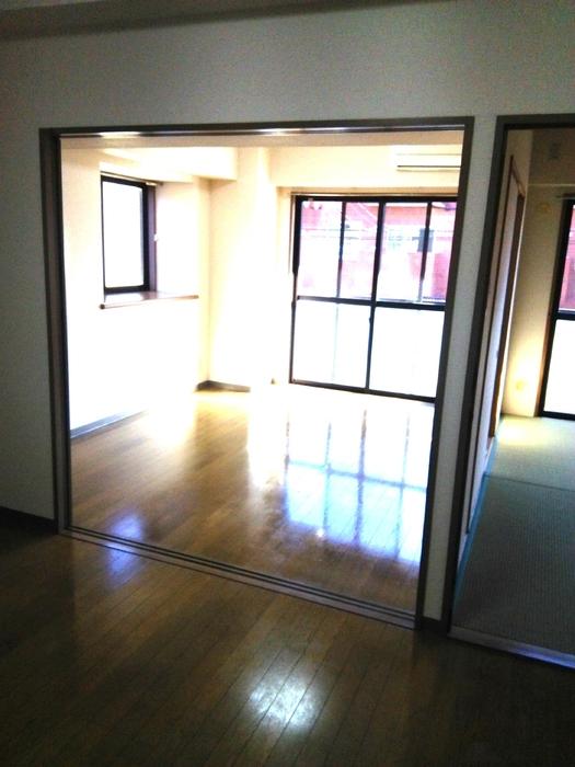 フローレンスMORITA 201号室のリビング
