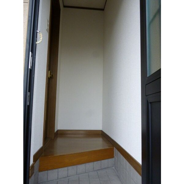 カメラートAの玄関