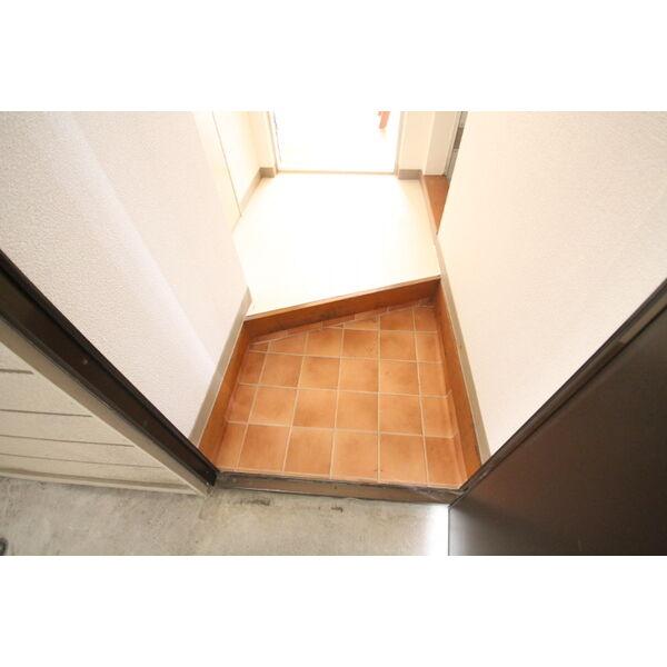Livex V・A 103号室の玄関