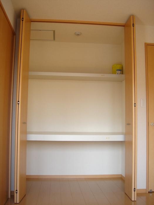 エーデルハイム ASAKAーB 105号室の収納