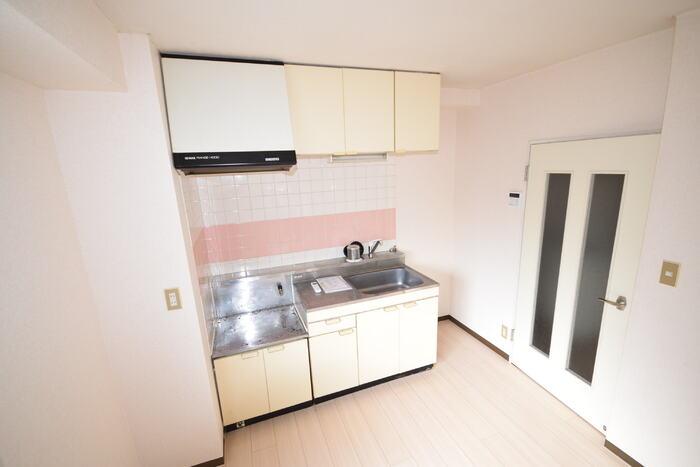 コーワレジデンス 弐番館 001号室のキッチン