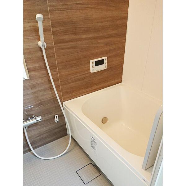 ヒルトップ東山 102号室の風呂