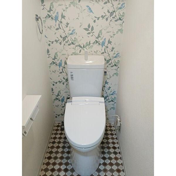 ヒルトップ東山 102号室のトイレ