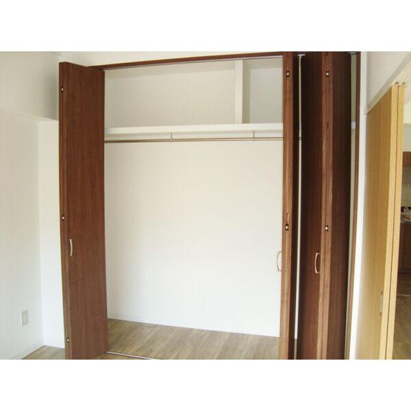 ヒルトップ東山 102号室の収納