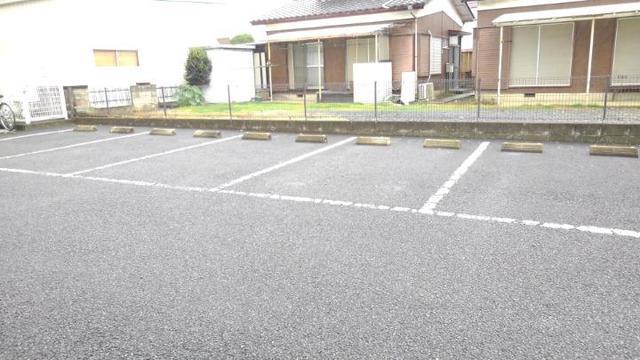 ツウインシティⅡ番館 02010号室の駐車場