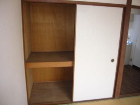 西浦マンション 31号室の収納