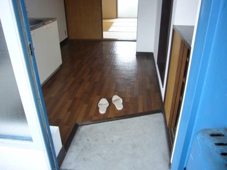 西浦マンション 31号室の玄関