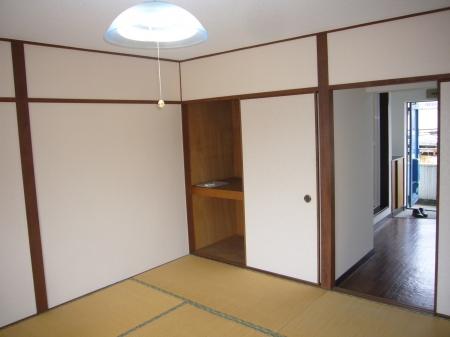 西浦マンション 31号室のリビング